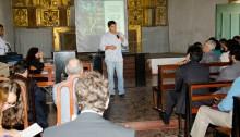Eduardo Moreira participa de reunião na Igreja do Pilar