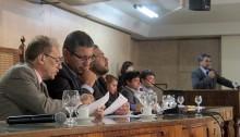 Câmara de Caxias recebe audiência sobre serviços cemiteriais