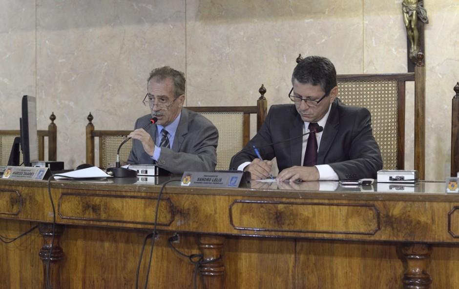 Vereadores criticam cooperativa que presta serviço à Educação