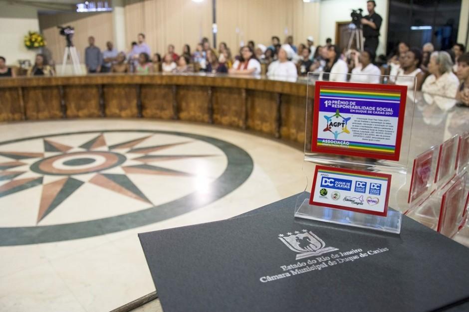 Vereadora Leide entrega Prêmio Responsabilidade Social