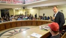 Câmara reúne sindicatos para debater sobre a Reduc