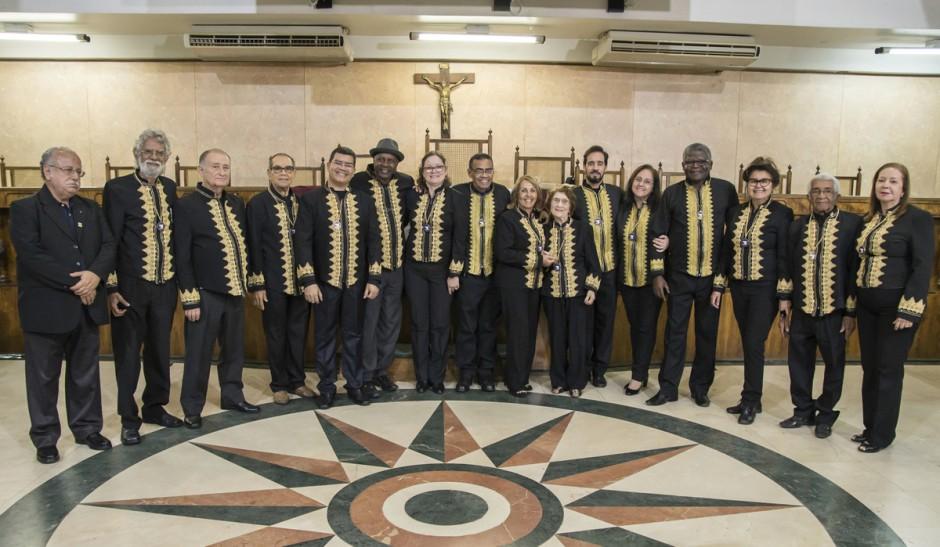 Nova diretoria da ADLA toma posse na Câmara