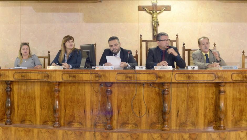 Vereadores questionam visita do governador Pezão à Cidade