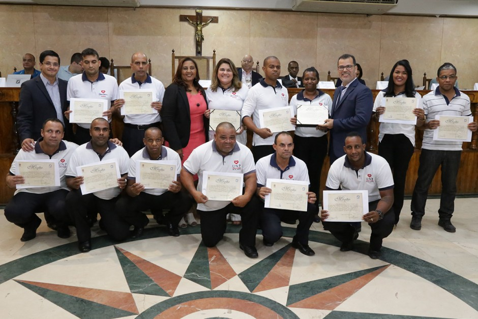 Vereadora Leide homenageia instituições sociais de Caxias