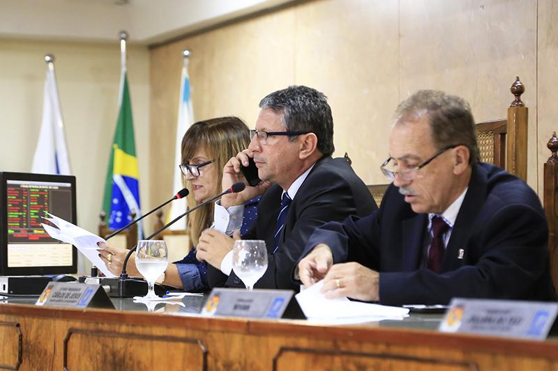 """Câmara homenageará """"in memoriam"""" o ex-deputado Ampliato Cabral"""