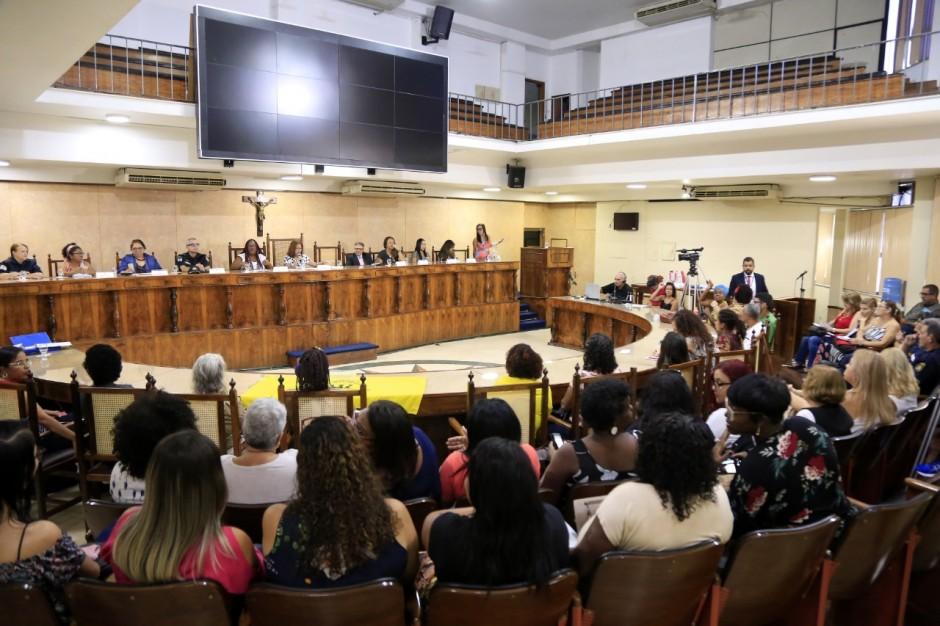 Duque de Caxias recebe Audiência Pública da CPI do Feminicídio