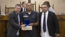 Câmara debate segurança pública e homenageia 15º Batalhão da PM