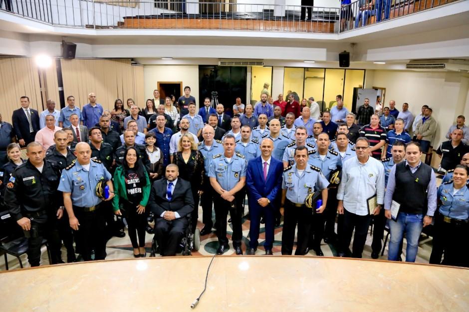Policiais militares são homenageados na Câmara de Duque de Caxias