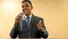 Vereador Aquiciley toma posse em substituição à vereadora Leide amiga de Caxias