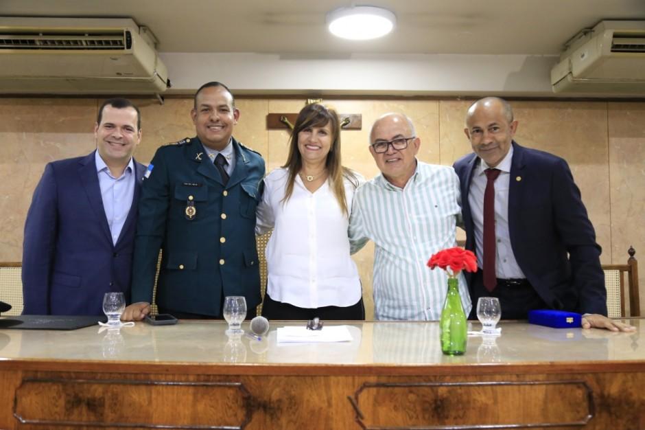 Reconhecimento e gratidão foram as palavras de ordem da noite na Câmara Municipal