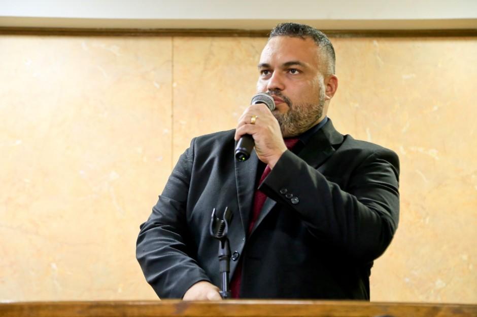 Vereador  Marcos Tavares denuncia Light