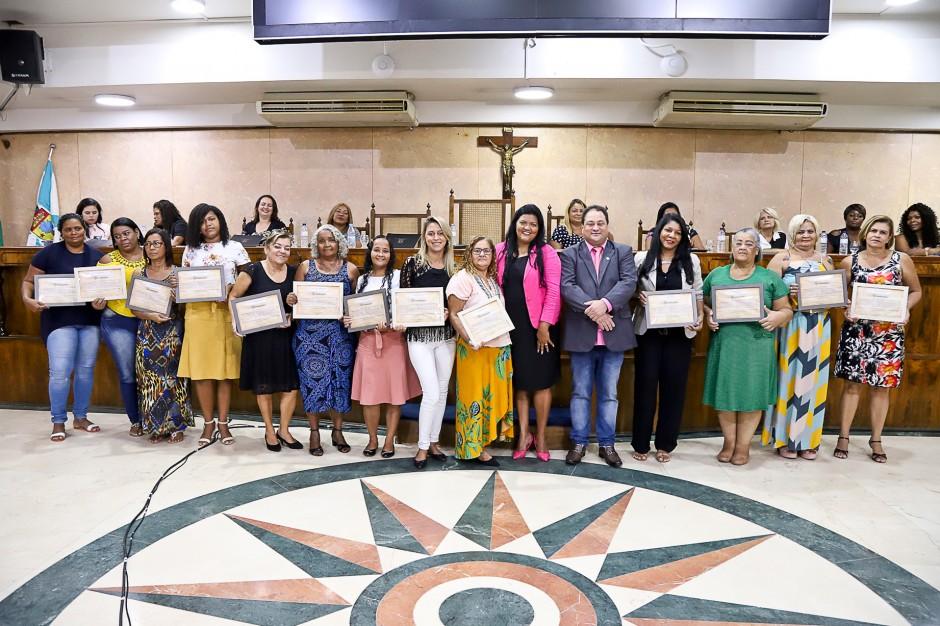 Mulheres são homenageadas pelo vereador Alex Rosa