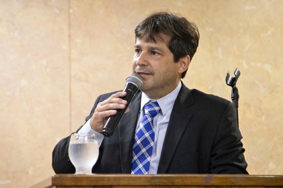 Vereador Serginho Corrêa requer esclarecimentos da Secretaria de Obras, Habitação e Urbanismo