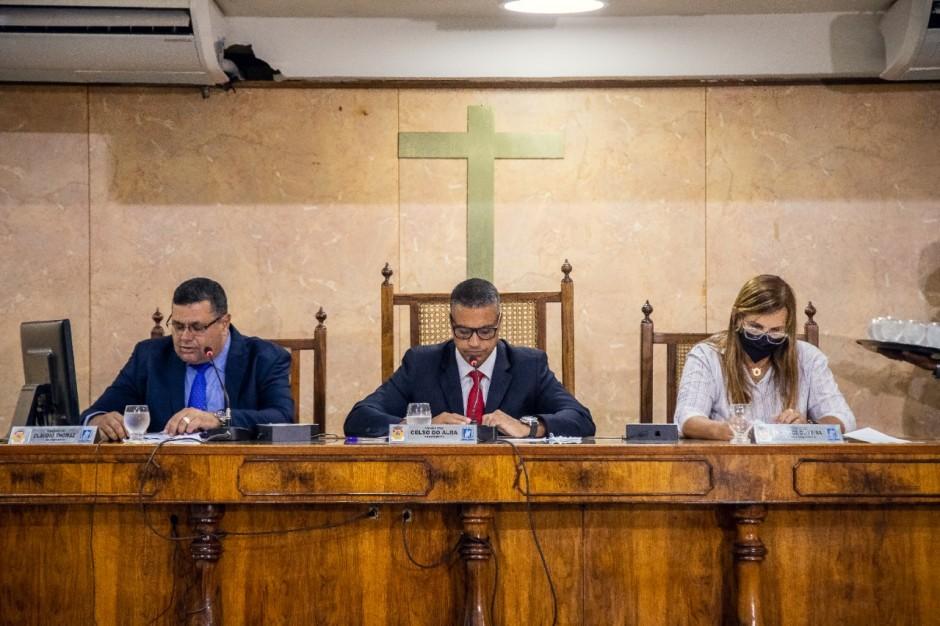 Vereadores apresentam projetos de lei e indicações à prefeitura na primeira sessão ordinária do ano